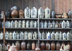 2-sake-jugs